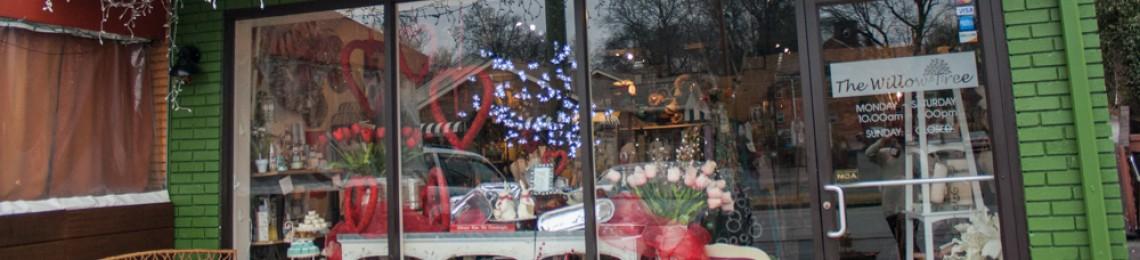 The Willow Tree - Valentine's Decor