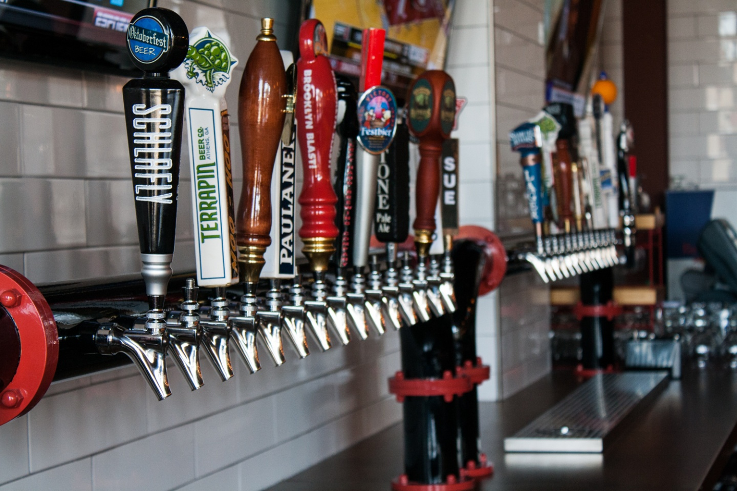 Beer lover 39 s guide to nashville happy hours nashville guru for Best craft beer in nashville