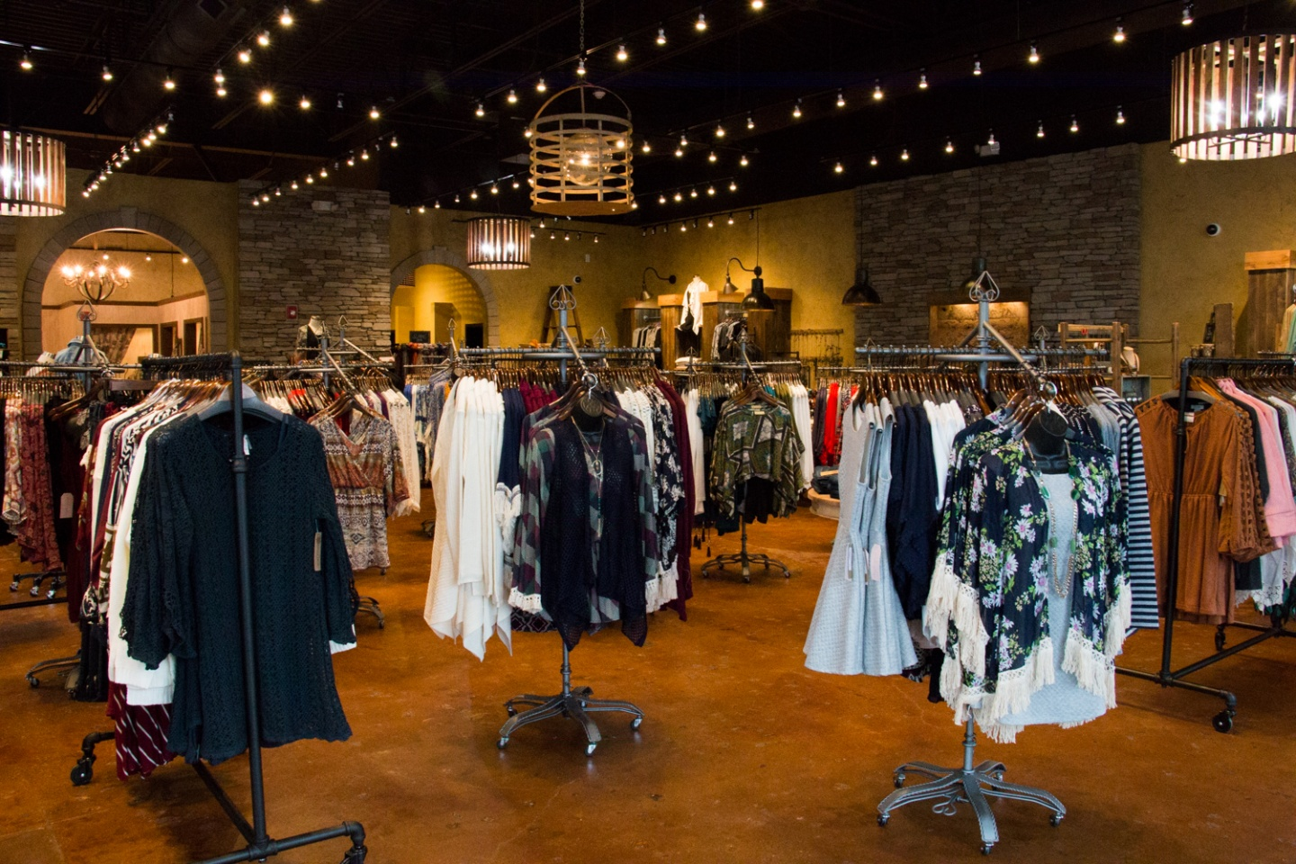 Lizard Thicket, established in , prides itself in selling the latest, most fashion-forward styles and accessories at surprisingly affordable prices. Our stylish clientele can wear our threads with the confidence that their wardrobe is as unique as they are.
