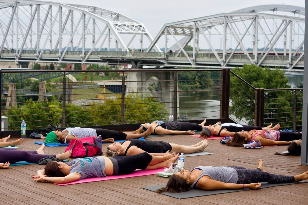 Yoga Buzz - rooftop yoga at acme