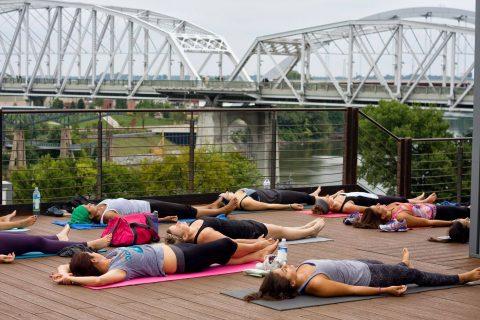 Yoga Buzz - rooftop yoga at acme