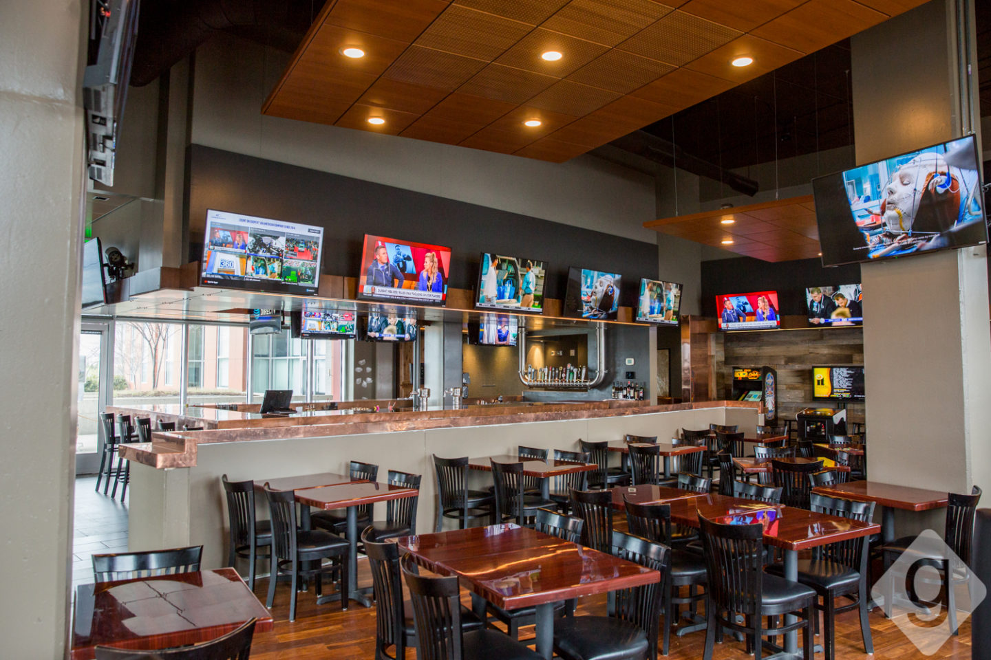 The Mainstay Is A Fresh Spot On East Side Located In 5th And Main Building They Have 23 Tvs Throughout Bar For Watching