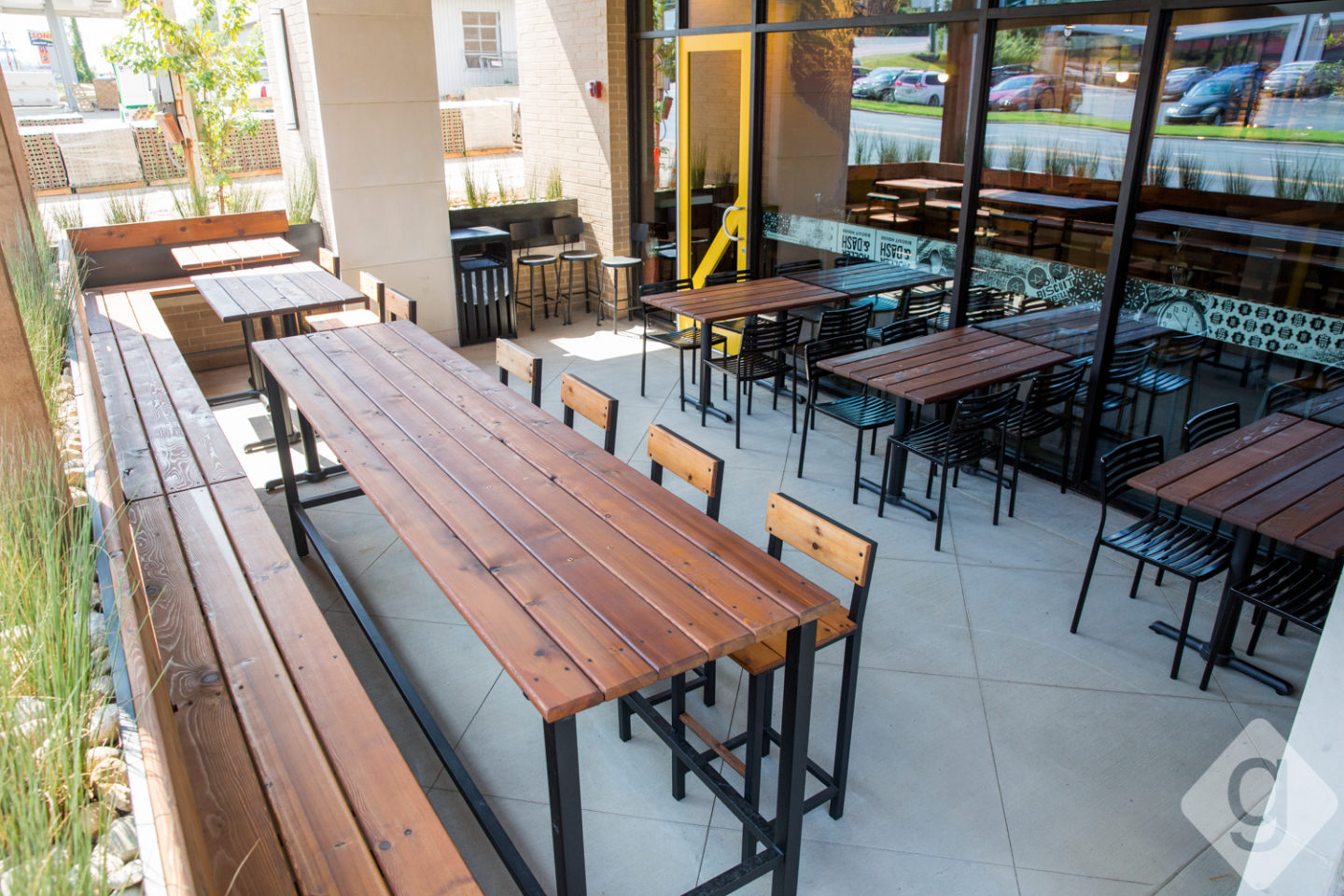 A Look Inside Holler Dash Nashville Guru - Community table restaurant